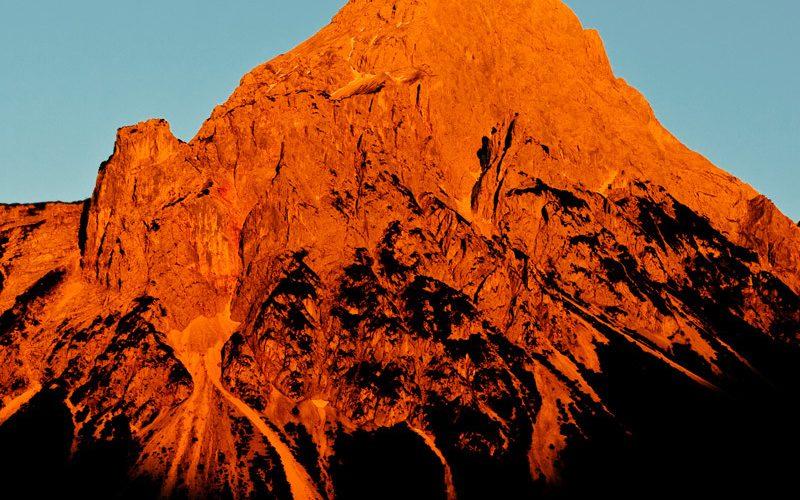 TruthSeekers Radio | TV .. Hybrid Deluxe .. Peaks and Valleys